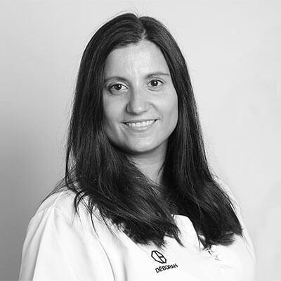 Deborah. Clínica Dental Padrós Paral·lel, el teu dentista a Barcelona