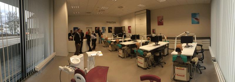 Les noves instal·lacions d'Heraeus per la formació de postgrau de dentistes son espectaculars i disposen dels darrers avenços tecnológics. Aquí podem organitzar cursos avançats teòrico-pràctics dirigits a altres professionals.
